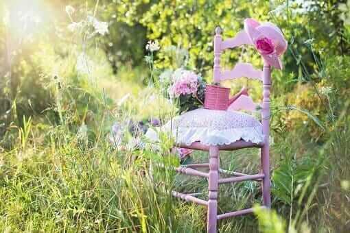 pinker gartenstuhl sommer